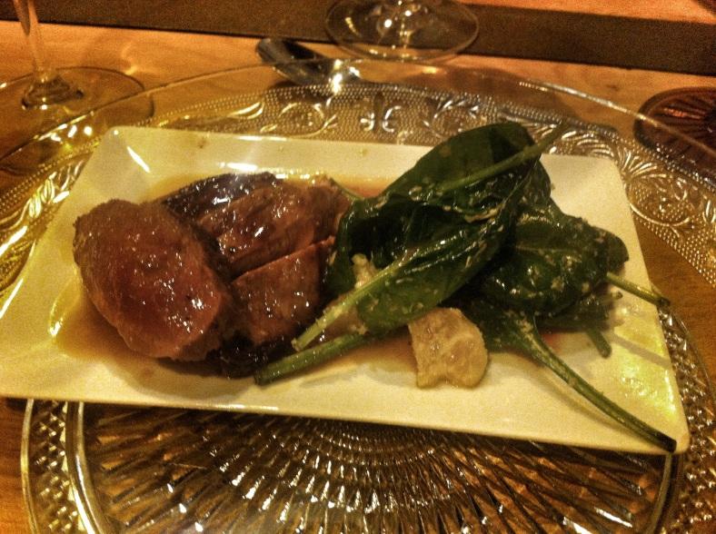 Magret de pato con espinacas