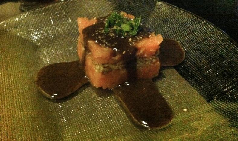 Tartar de salmón y trufa