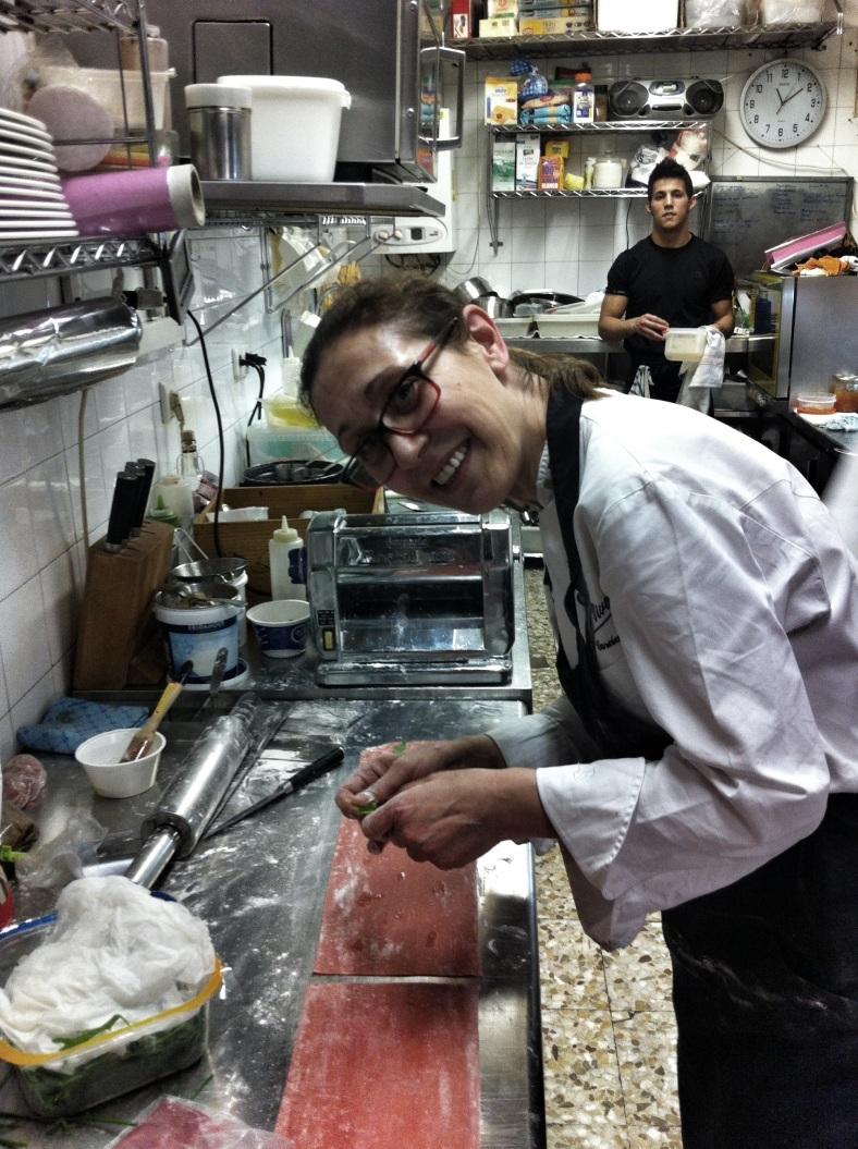 Rosy haciendo raviolis para San Valentín