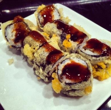 Maki tempurizado de anguila
