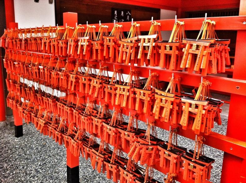 Los famosos torii rojos de los templos