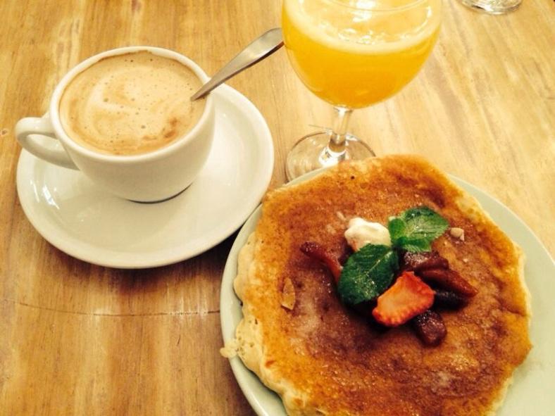Pancake con compota de manzana