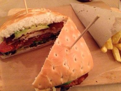 Sandwich de pollo milanesa