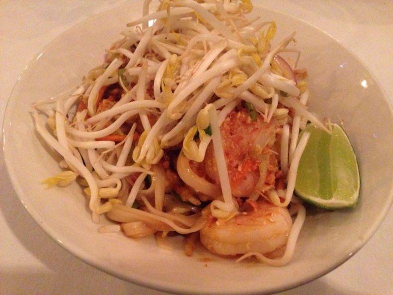 Pad thai con gambones