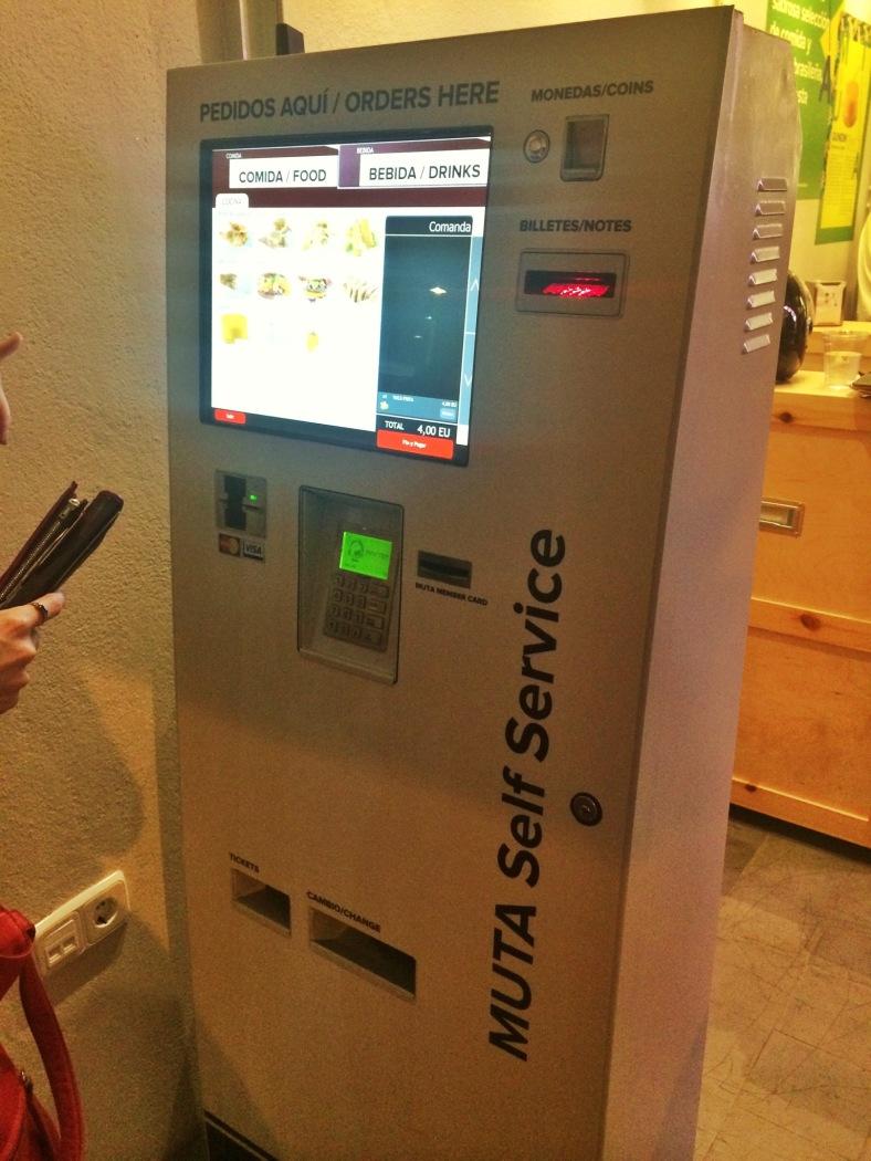 Maquina expendedora desde donde se pide la comanda en Muta