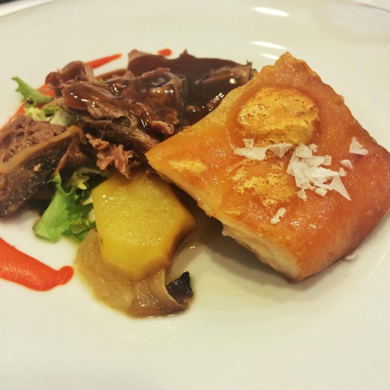 Duo de carnes: jarrete y cochinillo