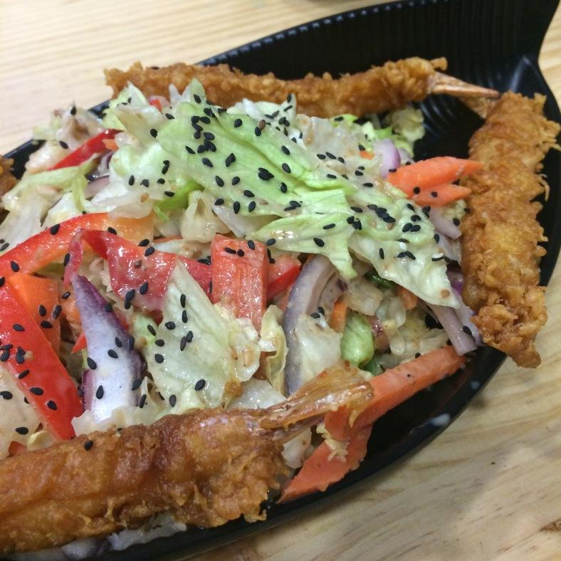 Ensalada de tempura de langostinos