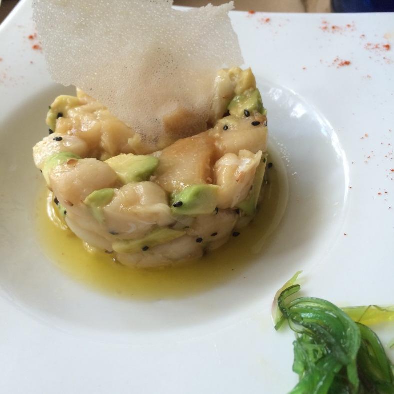 Tartar de pez mantequilla con aguacate