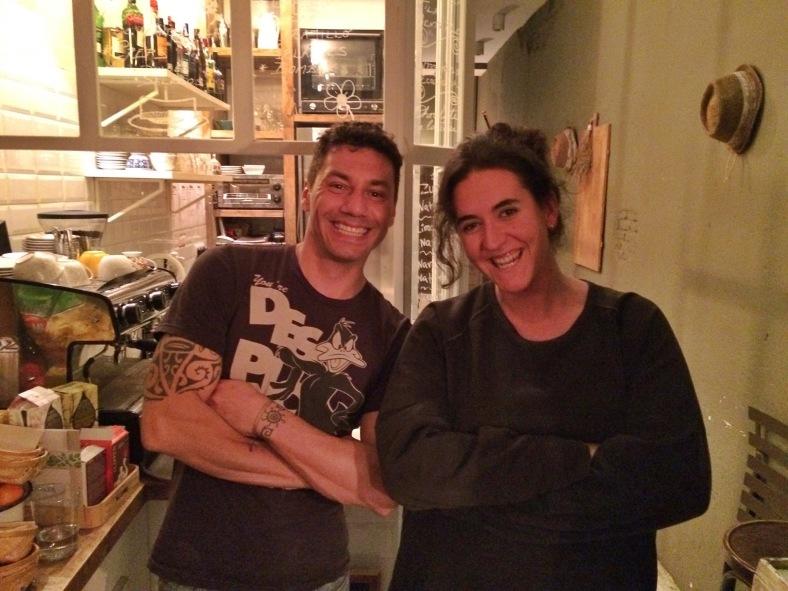Totti con Jon, el camarero de Olive
