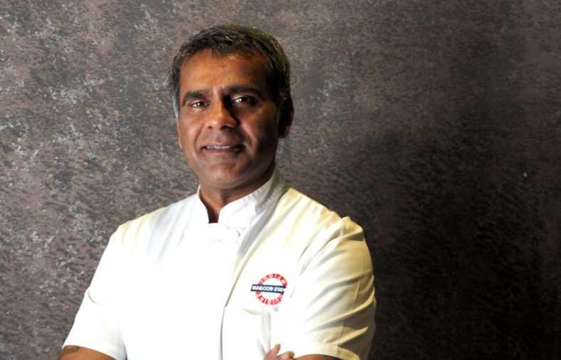 Foto tomada de Zoom News: Nadeem Siraj chef de Tandoori Station