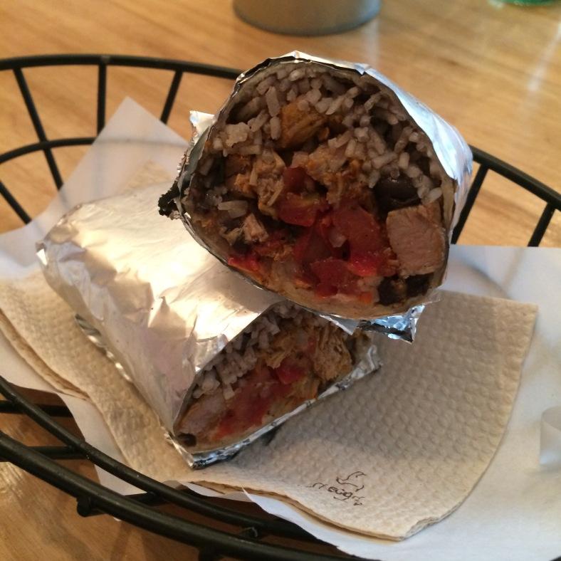 Burrito de pastor con salsa brasa