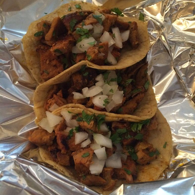 Tacos de pastor con salsa verde
