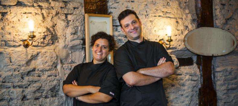 Foto tomada de Vanitatis: Pedro y Micaela, los dueños de La Dominga