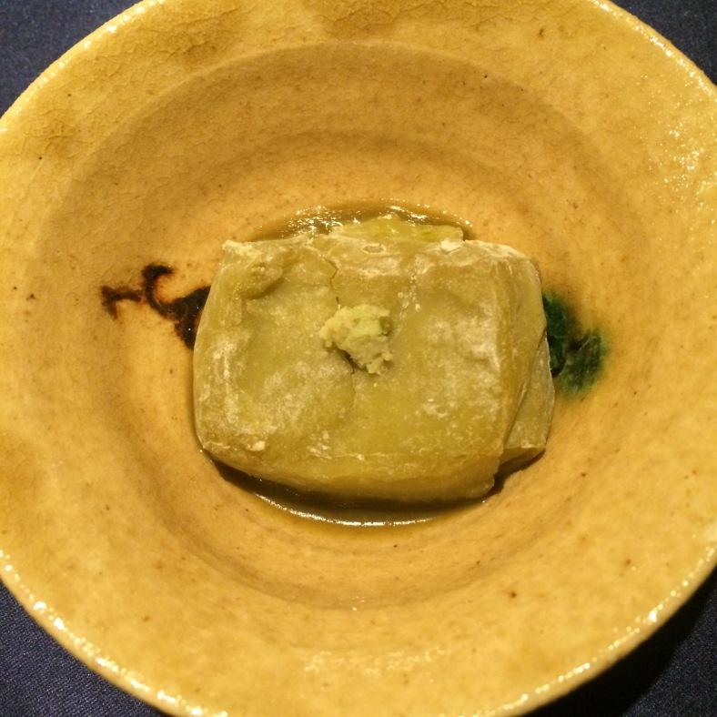 Tofú de espárragos con wasabi