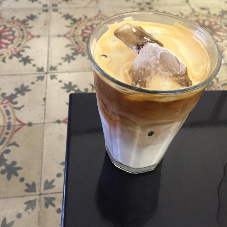 Iced latte, perfecto para el verano