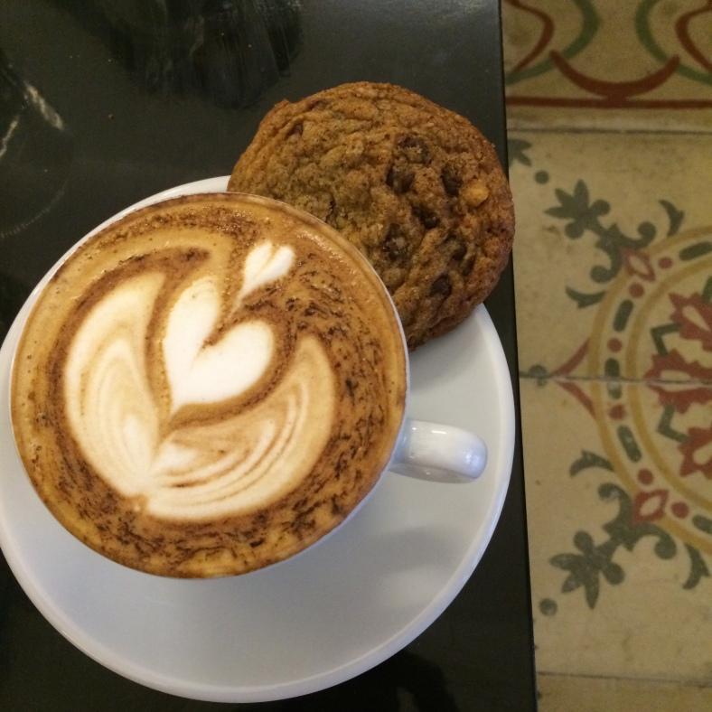 Café con cookie, una merienda perfecta