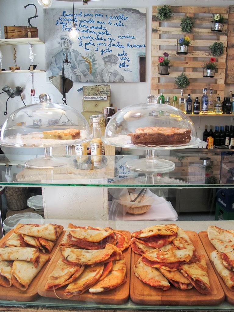 """Foto tomada de www.beprettybyemma.com """"Pizzetas a cualquier hora"""""""