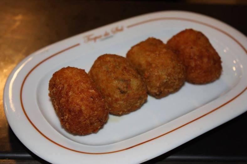 Croquetas caseras de puerro y de pollo al curry