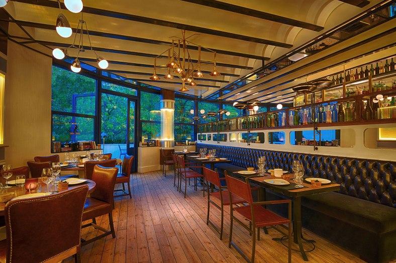 """Foto tomada de www.estilonomada.wordpress.com """"Un comedor con el sello Lazaro Rosa-Violán"""""""