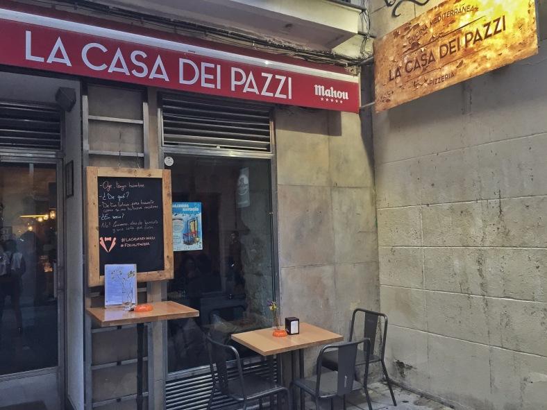 Escondido en la Calle Pelayo encontraréis La Casa dei Pazzi