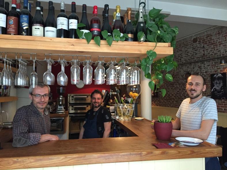 Matteo, Alberto y Alessandro, los dueños de Menomale
