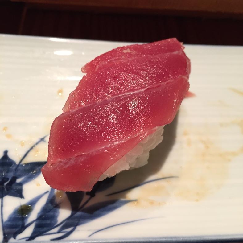 Maki de toro (ventresca de atún)