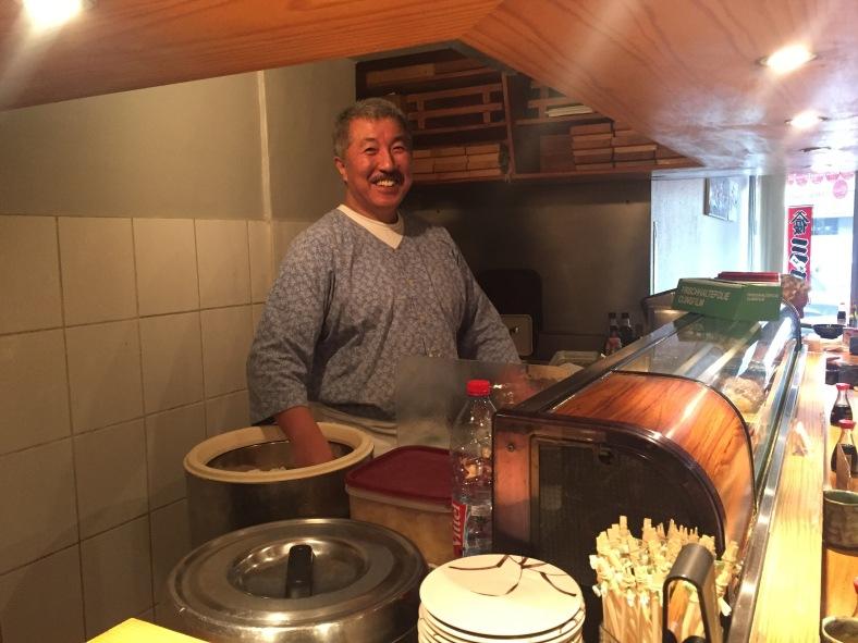 Ver a este sushiman en acción, es una de las cosas que debéis ver si venís a Luxemburgo