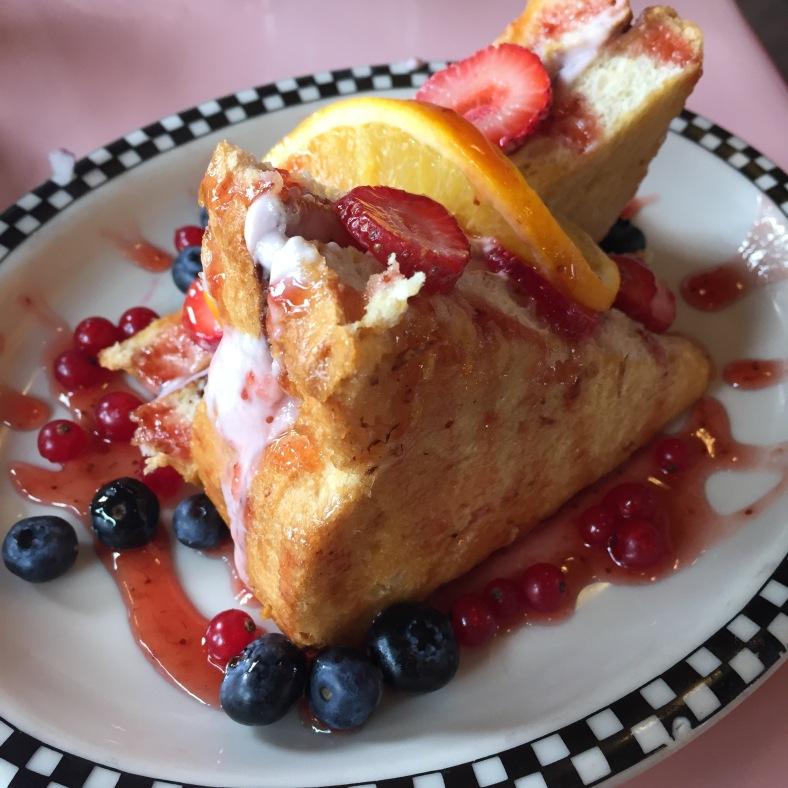 French toast con frutos rojos