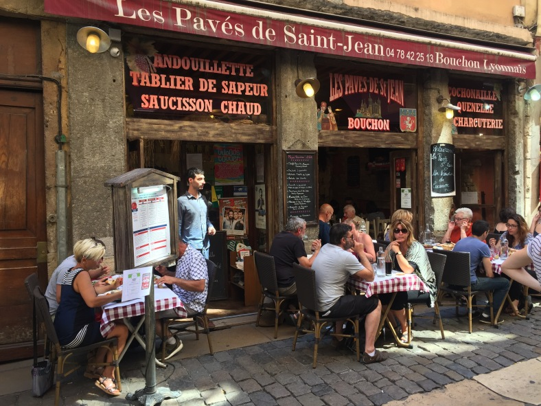Típico bouchon de la parte vieja de Lyon