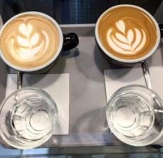 Capuccino y flat white en Randall Coffee Roasters