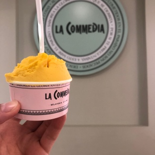 Helado de mango de La Commedia